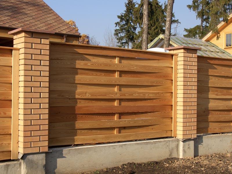 Деревянный заборы фото